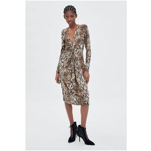 NWT Zara Size S Snake Skin Knee Dress